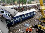 На Шри-Ланке при крушении поездов пострадало 75 че...