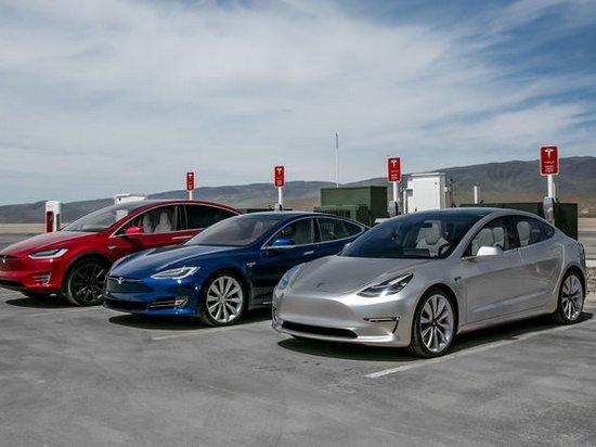 Компания Tesla заявила о выпуске юбилейного, 300-тысячного электрокара