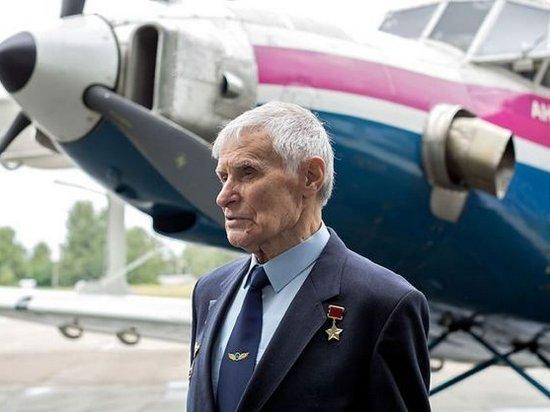 Умер известный летчик-испытатель Юрий Курлин