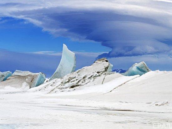 Внезапно. Один из ледников в Антарктиде не тает, а замерзает (видео)