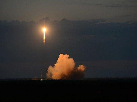 РФ запустила ракету Союз со спутником ГЛОНАСС-М (видео)