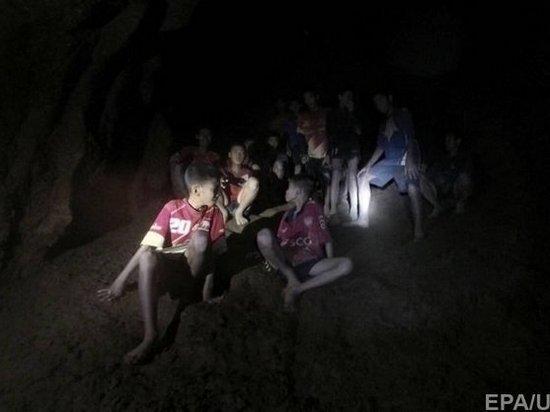 Появилось видео обнаружения пропавшей в пещере Таиланда подростковой футбольной команды