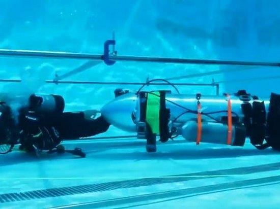 Маск показал видео испытания мини-подлодки, разработанной для спасения детей в Таиланде