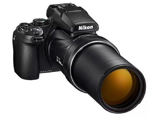 Nikon выпустила мощную камеру с рекордным зумом (видео)