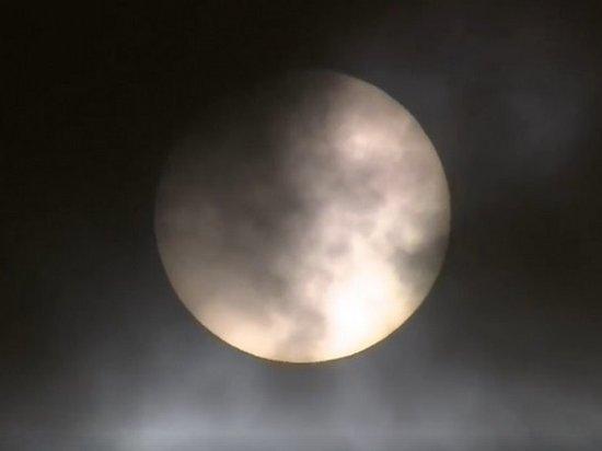 Солнечное затмение в пятницу 13-го сняли на видео