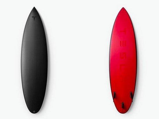 Компания Tesla начала делать доски для серфинга