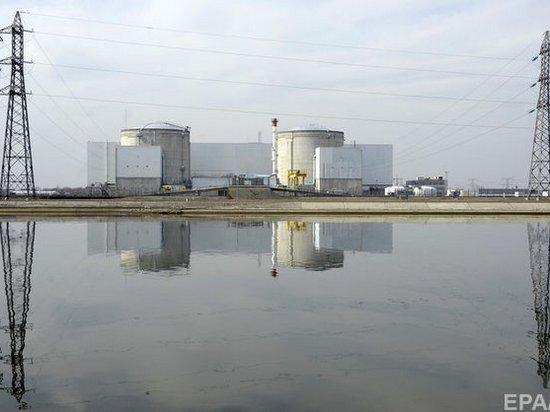 Из-за жары во Франции приостановлена работа двух реакторов АЭС