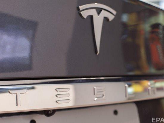 Tesla переманила из Volvo дизайнера электрокаров