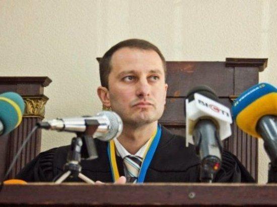 Судья, закрывший дело Кернеса, подал в отставку