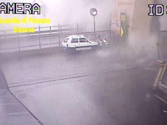 Власти Италии обнародовали видео с моментом обрушения моста в Генуе