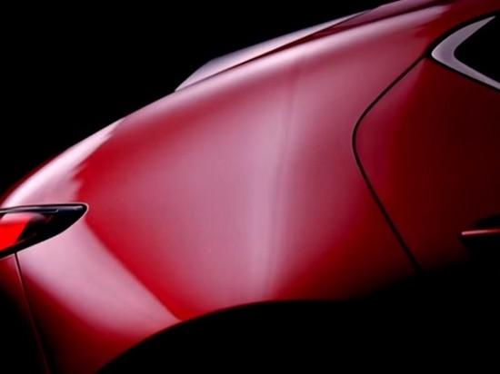 Mazda показала видео с новым «хэтчбеком-тройкой»