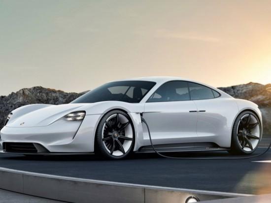Почему Porsche Taycan добавит седых волос основателю Tesla