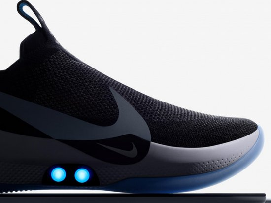 Nike представила кроссовки с автоматической шнуровкой   Новости AOinform 1e47c0a607b