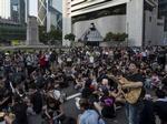 Масштабные акции протеста в Гонконге не прекращаются (фото, видео)