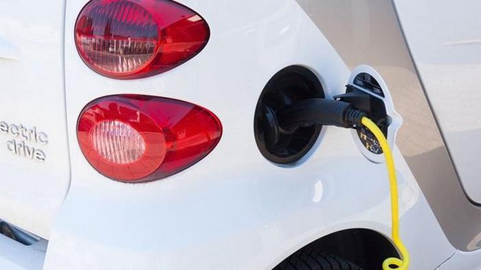 В Украине подсчитали число электромобилей: назван топ-10