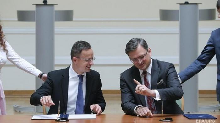 Украина и Венгрия уладили конфликт - Кулеба