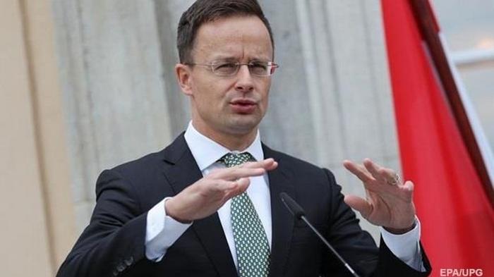 У главы МИД Венгрии в Бангкоке обнаружили коронавирус