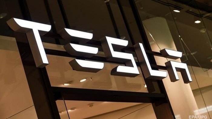Tesla подорожала на $40 миллиардов за час