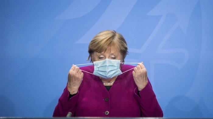Меркель назвала сроки регистрации вакцины в Европе