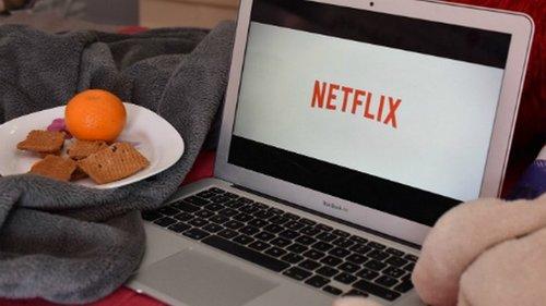 ТОП-12 лучших сериалов Netflix за 2020-й год