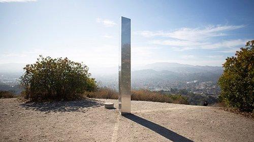 Новый таинственный монолит появился в Калифорнии (фото)