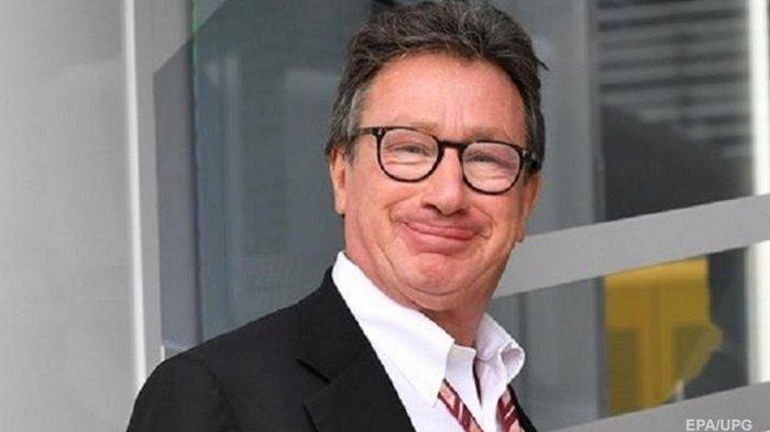 Глава Ferrari подал в отставку после заражения COVID-19