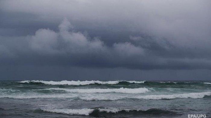 В Беринговом море бушует циклон-бомба с 18-метровыми волнами