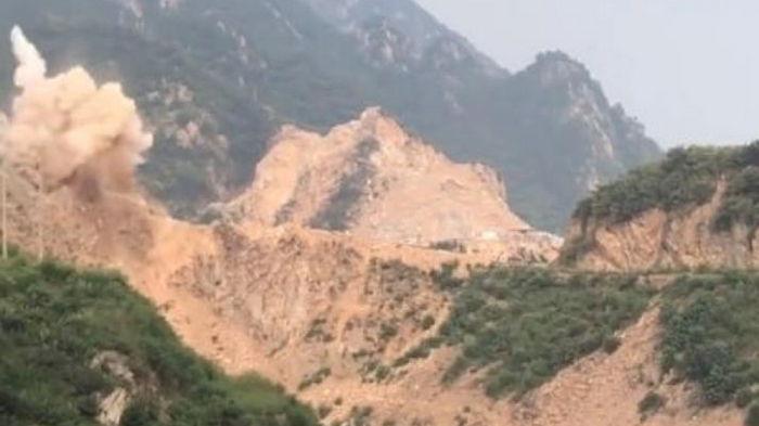 На шахте в Китае произошел взрыв, под завалами более 20 горняков