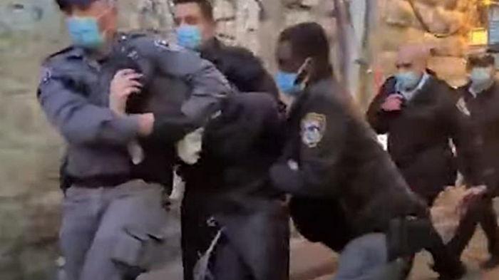 В Иерусалиме ортодоксы закидали полицию камнями (видео)