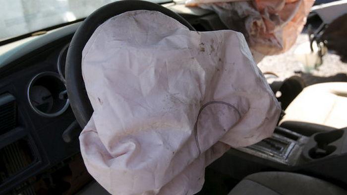 Ford отзовет 3 млн автомобилей из-за взрыва подушек безопасности