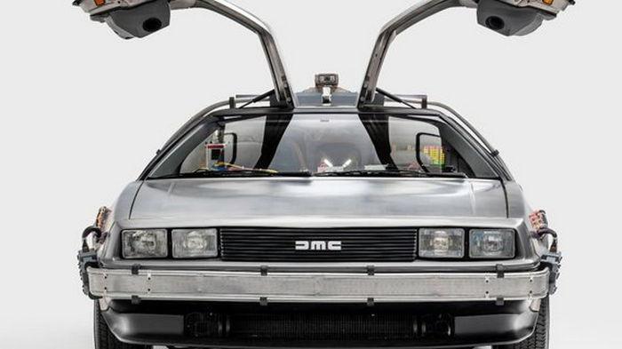 В США перевыпустят автомобиль DeLorean, известный по фильму Назад в будущее