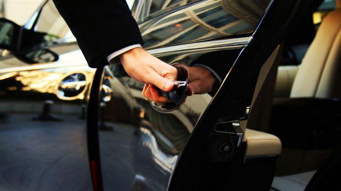 Аренда авто бизнес-класса в Киеве и услуги такси: преимущества обращения к профессионалам