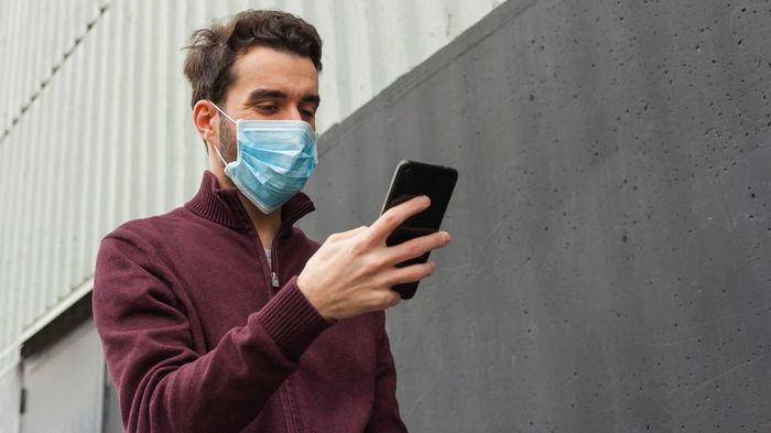 iPhone теперь можно разблокировать в маске: что нужно сделать