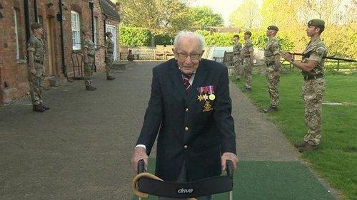 В Британии умер ветеран, собравший для медиков £32 млн