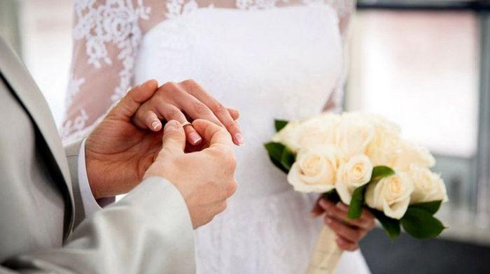 Регистрация брака с иностранцем в Украине: особенности и назначение