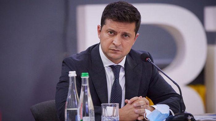 Зеленский ветировал закон о возвращении конкурсов на должности госслужбы