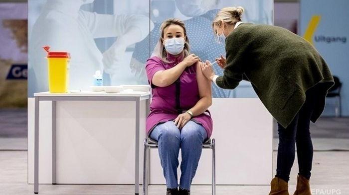 На вакцинацию записались более 190 тысяч украинцев