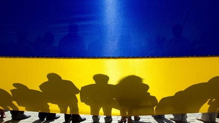 Украинцы за год потратили больше, чем заработали