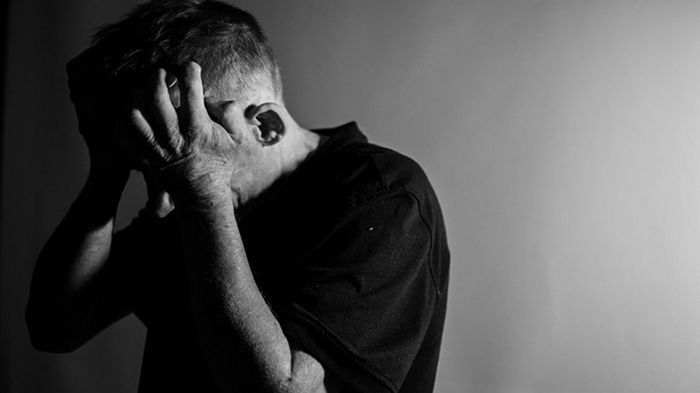 COVID-19 протекает тяжелее у пожилых людей из-за слабого иммунного ответа