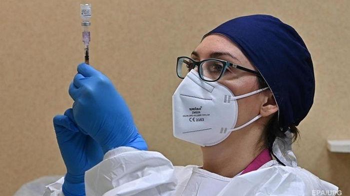 Нидерланды остановили вакцинацию AstraZeneca лиц моложе 60 лет