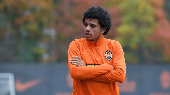 Бразильский клуб объявил о подписании звезды Шахтера после его ухода
