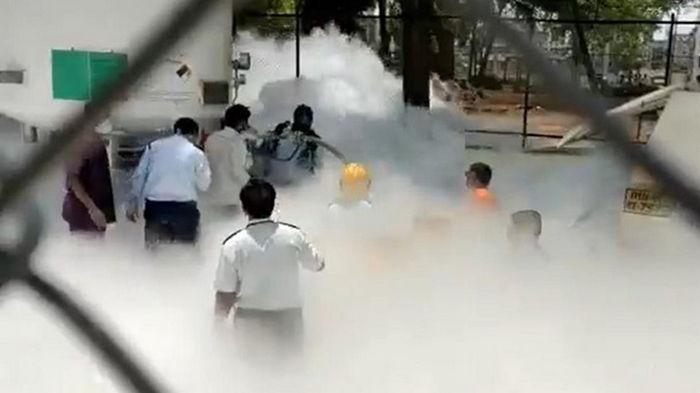 В Индии 24 человека задохнулись в COVID-больнице