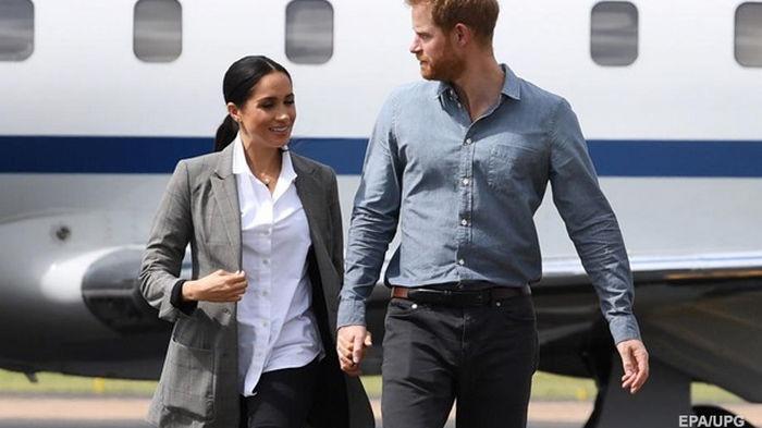 Гарри не может наладить отношения с королевской семьей - СМИ