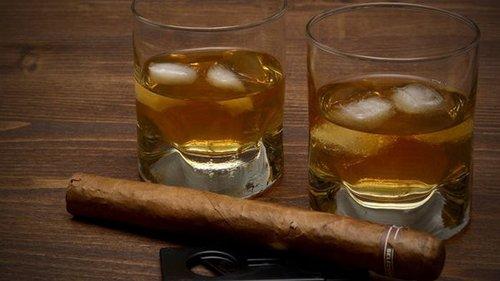 В США на аукционе продадут самое старое виски в мире