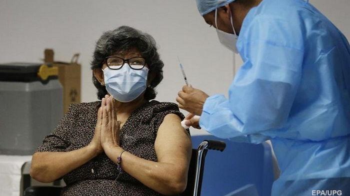 В Украине почти закончилась COVID-вакцина AstraZeneca