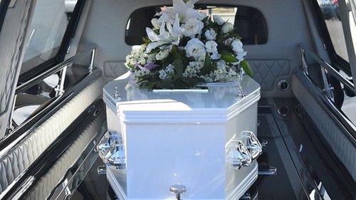 Месть любовнице: женщина устроила фальшивые похороны изменника