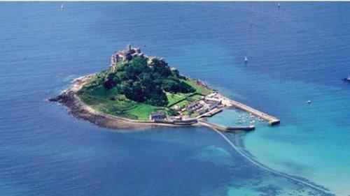 Работа мечты для интроверта с видом на море. В Британии ищут управляющего замком на остров