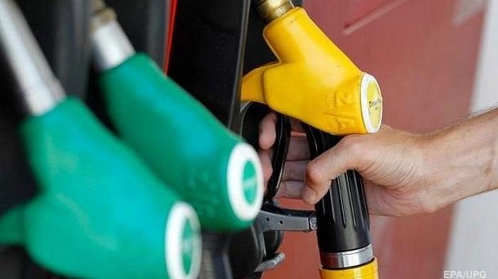 Минэкономики опровергло регулирование цен на премиум-топливо