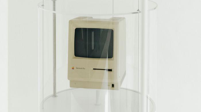 В Киеве откроют музей Apple — среди экспонатов макинтош с подписью Стива Возняка