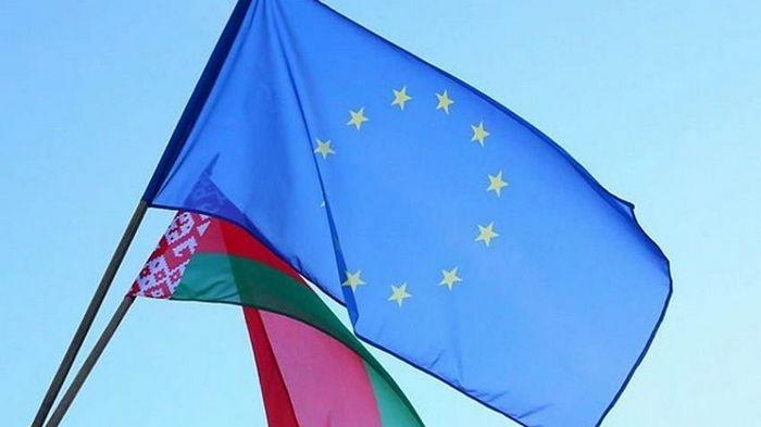 Посадка самолета: Беларуси грозят новые санкции